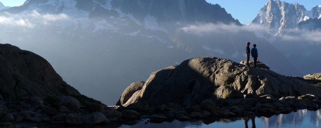 Un matin lumineux au bord du lac Blanc au-dessus de la vallée de Chamonix (photo : M.De Vlaminck)
