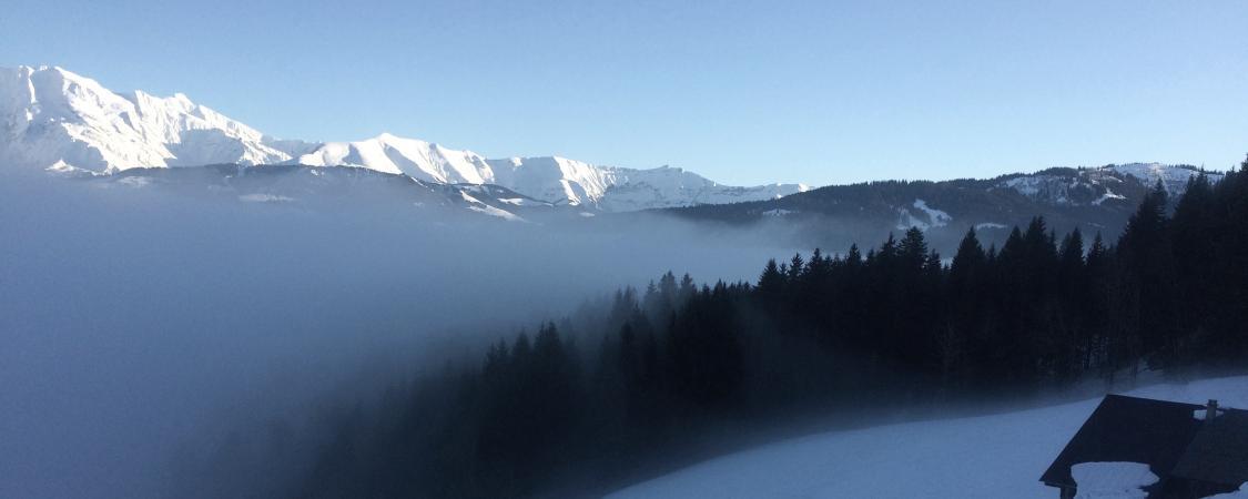 Mer de nuages sur le Val d'Arly un soir d'hiver (photo : M.De Vlaminck)